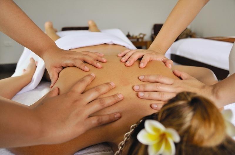 Četveroručna masaža tijela